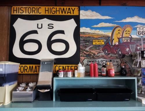 Lungo la Route 66: il Cozy Dog a Springfield, Illinois USA